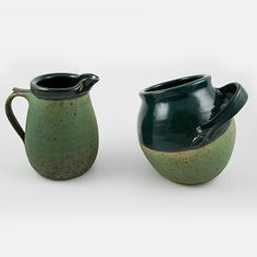 Green pottery sugar bowl handmade in the town of San Gimignano (Tuscany, Italy) with matching creamer. The sugar bowl and creamer are also available in red, blue, white and tan. Click on the image to learn more about this sugar bowl.