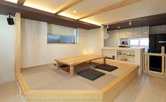 リビングは掘りごたつに。居心地の良い空間を目指した家づくり Japanese Interior, Japanese Design, Office Plan, Home Office, Tatami Room, Life Design, Nook, Corner Desk, House Plans
