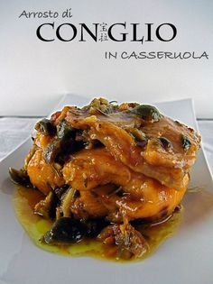 rabbit stewed in brandy Veal Recipes, Wine Recipes, Chicken Recipes, Italian Meat Dishes, Italian Recipes, Cacciatore, Squirrel Food, Rabbit Dishes, Confort Food