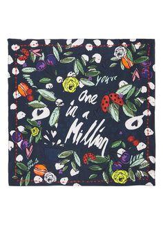 Op zoek naar POM Amsterdam Sjaal van zijde 55 x 55 cm ? Vind je favoriete items bij de Bijenkorf. Vandaag voor 22:00 besteld, morgen gratis thuisbezorgd.