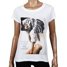 """Eleven Paris Aldino Women T-Shirt weiß aus der aktuellen Kollektion ►►► http://www.modefreund.de/eleven-paris-aldino-women-t-shirt-weiss/a-1460113352/ Angesagtes T-shirt aus der """"Life is a Joke"""" Reihe von Eleven Paris. Die coolen Shirts zeichnen sich aus durch einen großen Brustprint beliebter Stars oder Motiven,"""