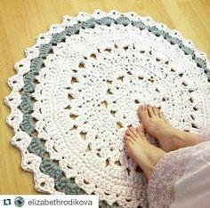 Tecendo Artes em Crochet: Tapete Lindão em Fio de Malha com Gráfico!