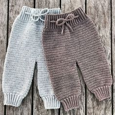 Crochet Como Fazer Roupas de Bebê de Crochê: Passo a Passos 46 Fotos Crochet Baby Pants, Crochet Clothes, Knitted Baby Clothes, Baby Knitting Patterns, Crochet Patterns, Baby Patterns, Free Crochet, Knit Crochet, Baby Kicking