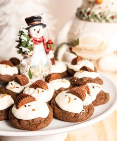 Chocolate-Peanut Butter Melting Snowmen cookie recipe. #Christmas #cookies