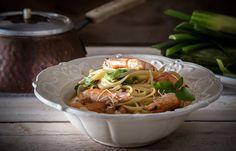 Linguine με γαρίδες φινόκιο και κολοκύθι Linguine, Japchae, Spaghetti, Healthy Recipes, Meat, Chicken, Cooking, Ethnic Recipes, Food