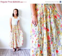 20% OFF HALLOWEEN SALE Vintage Small // yellow // boho skirt // floral summer style // summer skirt // floral // maxi floral skirt