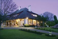 Peppers Manor House  - Mount Broughton, Sutton Forest - hotel accommodation on a private golf course.