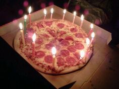 pizza for birthday cake lol Birthday Goals, Girl Birthday, Happy Birthday, 20th Birthday, Birthday Pizza, Birthday Parties, Cake Birthday, Sweet 16, Birthday Candles