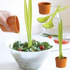 Mach dein Haus fit für den Frühling:  Black + Blum Salat-Pflanze - Das witzige Salatbesteck - Geschenke von Geschenkidee