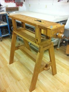 DIY Idea | Traveling Work Bench (Pinned so that I have a collapsible work bench for the garage.)