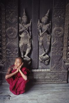 Mandalay, Myanmar // Captured by Steve McCurry