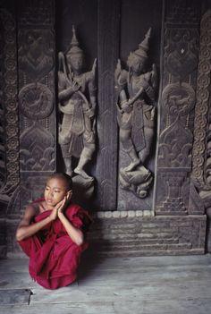 Mandalay, Myanmar // Captured by Steve McCurry