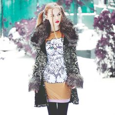 Coat Betsey Johnson Dress Qoo Qoo , I'm kind of in LOVE with this coat Betsey Johnson, Dresser, Baby Spice, Fall Winter Outfits, Graphic, Put On, Mother Of The Bride, Coat, Night Out