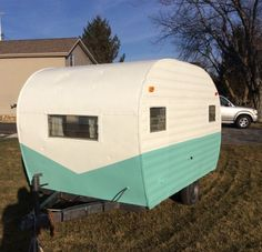 Camping Trailers For Sale Vintage Motorhome, Vintage Camper Interior, Vintage Rv, Vintage Caravans, Vintage Travel Trailers, Rv Interior, Interior Ideas, Interior Design, Interior Decorating