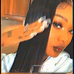 VHS summa walka or summer walker edit Boujee Aesthetic, Badass Aesthetic, Bad Girl Aesthetic, Aesthetic Images, Aesthetic Videos, Aesthetic Vintage, Light Skin Girls, Brown Skin Girls, Lowkey Rapper