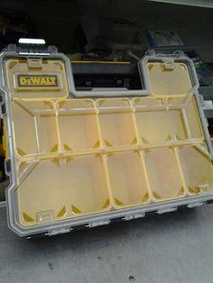DeWalt - 12 compartment organizer
