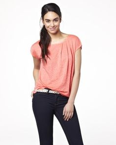 Short sleeve linen t-shirt - Prettiest T-shirt I've ever seen, from my favorite store, RW Linen Tshirts, V Neck, Fashion Outfits, My Favorite Things, Pretty, Sleeves, T Shirt, Clothes, Shoes