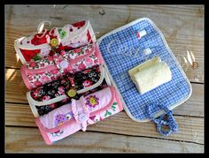 ♥♥ Kit Higiene ♥♥ | Flickr – Compartilhamento de fotos! Sewing Crafts, Sewing Projects, Diy Projects, Bag Patterns To Sew, Sewing Patterns, Diy And Crafts, Crafts For Kids, Handmade Bags, Craft Fairs
