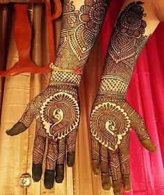 From centuries, women find peacocks, feathers and flower mehndi designs very fascinating to decorate their hands.