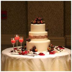 Glamorous Wedding Cake Table Ideas for Spectacular Wedding Decor-  A young man and young woman will be so busy to prepare their big day, wedding. There are numerous things to prepare before a wedding including the sui...