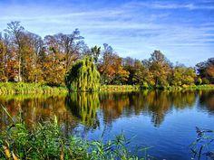 """fot.Adobas: """"Sołacz Jesienny - jeden z najpiekniejszych parków w Poznaniu, kiedyś mieściła się tam wieża spadochronowa ..."""" https://www.facebook.com/photo.php?fbid=10151982555642893&set=a.392564567892.167471.376101312892&type=1&stream_ref=10"""