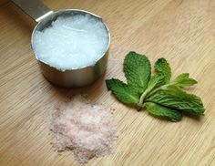 Sea Salt Foot Scrub Ingredients: 3 tablespoons coconut oil 2 tablespoons humalayan sea salt 1 teaspoon chopped mint OR 2 drops of peppermint essential oil Directions: Mix all the ingredients together Pedicure Soak, Beach Pedicure, Pedicure At Home, Pedicure Tools, All Natural Deodorant, Diy Deodorant, Homemade Body Care, Homemade Beauty Products, Sugar Scrub Recipe