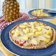 Fitness domácí pizza Hawai - zdravý recept Bajola Hawaiian Pizza, Food Inspiration, Toast, Healthy Recipes, Smoothie, Pineapple, Healthy Eating Recipes, Smoothies, Healthy Food Recipes