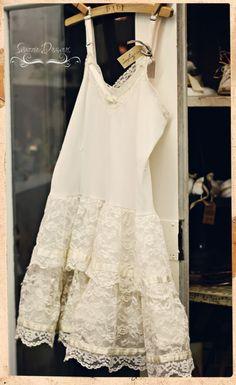 Lace and Roses. Shabby chic, cottage chic home decor Dress Skirt, Lace Dress, Dress Up, White Dress, Boho Fashion, Vintage Fashion, Vintage Outfits, Chiffon, Bohemian Mode