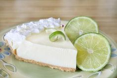 Key Lime Pie (Weight Watchers) 3 pts per slice on BigOven: Doesn't taste like diet food! Refreshing, tasty and fewer cals than other Key Lime contenders. I have made this over and over, as it is always popular. Weight Watcher Desserts, Coconut Dessert, Pie Dessert, Beach Dessert, Coconut Milk, Köstliche Desserts, Dessert Recipes, Tarte Caramel, Best Key Lime Pie