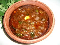 Ulli Theyal / Shallots Cooked in a Spicy Roasted Coconut Gravy - Yummy Tummy