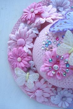 More hat decorating craft ideas for a tea party. (Hot glue for this one.)