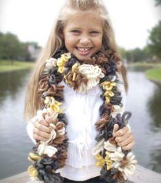 5 min finger weave scarf