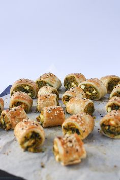 Vegetarian sausage rolls never tasted so good! Spinach, chickpea and sweet potato make a wonderful combination in these tasty pastry rolls. Veggie Dishes, Veggie Recipes, Vegetarian Recipes, Cooking Recipes, Savoury Recipes, Veggie Plate, Raw Recipes, Veggie Meals, Spinach Recipes