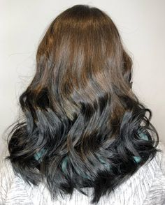 Reverse light to dark ombre hair color Dark To Light Ombre, Dark Ombre Hair, Brown To Blonde Ombre, Dark Hair, Blonde Hair, Hair Color Purple, Blonde Color, Brown Hair Colors, Balayage Brunette