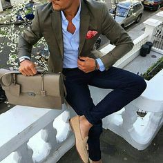 Discover the Top 15 Most Inspiring Men's Suits Quotes. Here are 15 Insightful, Rare and Inspirational Men's Suits Quotes and Sayings by Famous People. Mode Masculine, Fashion Mode, Suit Fashion, Style Fashion, 80s Fashion, Mens Smart Casual Fashion, Paris Fashion, Runway Fashion, Girl Fashion