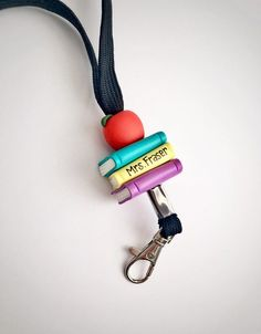 Personalized teacher lanyard with books and apple Cute Gifts, Gifts For Mom, Teacher Signs, Teacher Stuff, Teacher Appreciation Week, Employee Appreciation, Biscuit, Apple Gifts, Beaded Lanyards