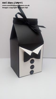 Hi Everyone, I hope you are all enjoying your bank holiday weekend! Today i have another Fathers Day project for you. Gift Boxes Uk, Diy Gift Box, Gift Bags, Foam Crafts, Paper Crafts, Paper Art, Paper Toys, Paper Purse, Fathers Day Crafts