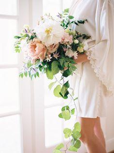 bridal bouquet - http://ruffledblog.com/chic-houston-garden-wedding