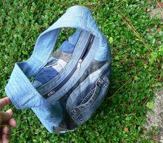 džínová patchworková taška / Zboží prodejce imodes | Fler.cz Clogs, Fashion, Scrappy Quilts, Clog Sandals, Moda, Fashion Styles, Fashion Illustrations