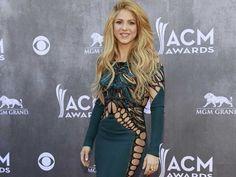 :.: Shakira galardoada nos Teen Choice Awards - Jornal Record :.: