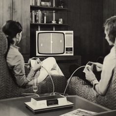 2015--THE NEWEST GREATEST TECHNOLOGY YOU WILL EVER SEE FOR THE RETRO-GENERATION OF COMPUTER BRAINS---Pong