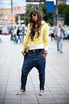 Узкие штаны с мотней