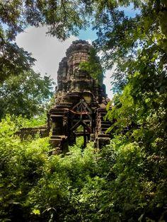 4 Hidden Cambodia Tourist Spots Near Angkor Wat – Into Foreign Lands Cambodia Destinations, Cambodia Travel, Travel Destinations, Futuristic Architecture, Ancient Architecture, Travel Abroad, Asia Travel, Banteay Chhmar, Tourist Spots