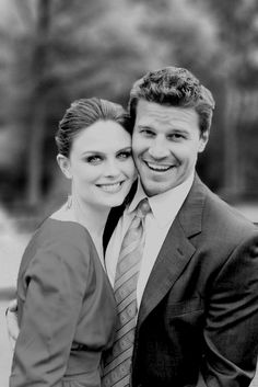 Emily Deschanel and David Boreanaz. Bones and Booth! When I saw this picture, my heart seriously skipped a beat. I love them so much. <3
