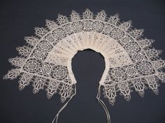 collar B.jpg . 17th century /cutwork and stem stitch embroidery / border: reticello and punto in aria