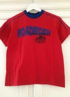 Kaufe meinen Artikel bei #Mamikreisel http://www.mamikreisel.de/kleidung-fur-jungs/kurzarmelige-t-shirts/35655147-rotes-t-shirt-mit-blauem-motiv-von-rotation