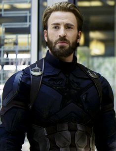 "Chris Evans as Steve Rogers in ""Avengers: Infinity War"" Robert Evans, Chris Evans Bart, Chris Evans Funny, Christopher Evans, Capitan America Chris Evans, Chris Evans Captain America, Captain America Costume, Marvel Dc, Captain Marvel"