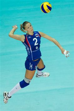 Lesya Makhno from Russia spiking