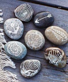 Coastal Decor, Beach & Nautical Decor, Crafts & Shopping: Decorate with Painted Beach Rocks Rock Crafts, Arts And Crafts, Diy Crafts, Decor Crafts, Deco Marine, Sweet Paul, Beach Crafts, Seashell Crafts, Paint Pens