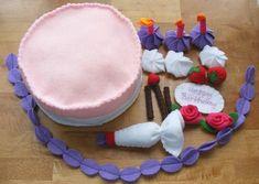 Felt Cake Decorating Set by Punkidoo on Etsy Felt Diy, Felt Crafts, Crafts To Make, Crafts For Kids, Felt Food Patterns, Felt Animal Patterns, Sewing Projects For Kids, Sewing For Kids, Felt Cake Pattern